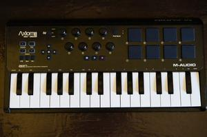 Controlador Midi M-audio Axiom Air Mini 32