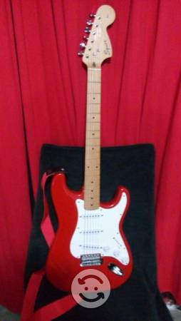 Fender squier stratocaster affinity 99 brazo maple