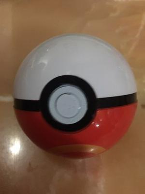Pokemon - Poke Ball, Pokeball, Pikachu