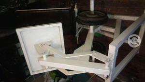 Aparatos de gimnasio pesas, press de pierna