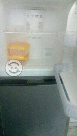Refrigerador mabe de 10 pies una semana de uso
