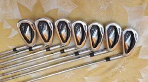 Set de Palos de golf. 7 fierros Mizuno y un sand