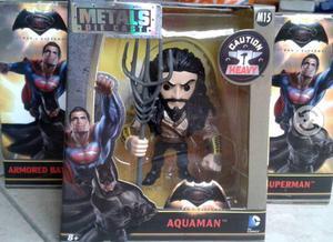 Aquaman. metals die cast. batman v superman