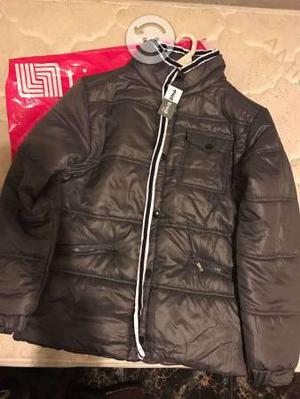 Se vende chaqueta nueva de hombre