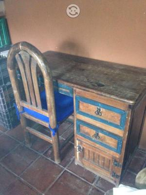 Escritorio y silla antigua madera posot class for Sillas para escritorio de madera