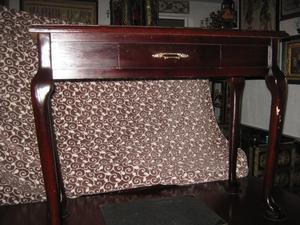 Mueble de múltiples usos clásico antiguo