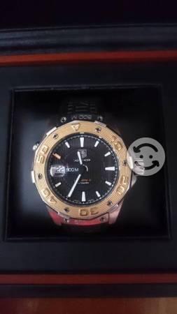 Reloj Tag Heuer AquaRacer bisel de oro 500M