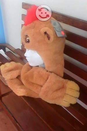 Gorro-bufanda-guantes del rey león