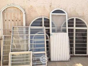 Puerta y ventanas fabricadas en ptr usadas posot class for Puertas y ventanas usadas en rosario