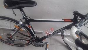 se vende bicicleta marca giant