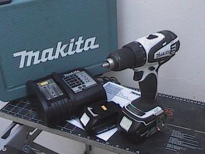 Taladro/Destornillador Kit Makita 18V LXT Lth-Ion