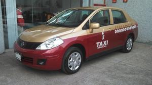 Placa de taxi, todo en regla y listo para usarse