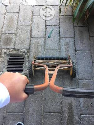 Podadora manual