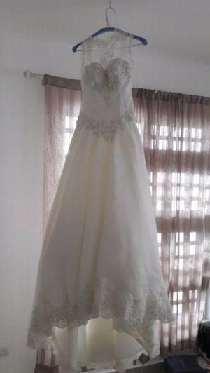 Bonito vestido de novia