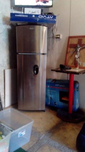se vende refrigerador wirpool de dos puertas