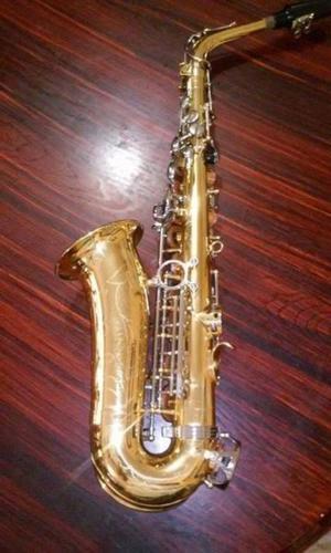 Saxofon Alto CENTURY/ con estuche/ excelentes condiciones