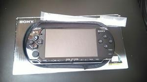Sony Psp  Con Juegos Memoria 8gb Caja Cargador Auto