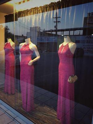 Traspaso Negocio de Renta de Vestidos de noche