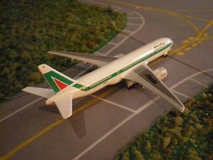 Aviones de coleccion a escala 1:600 Unicos