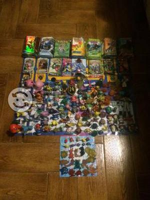 Lote de juguetes pokemon