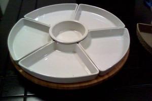 Botanero de ceramica con base giratoria de bambú
