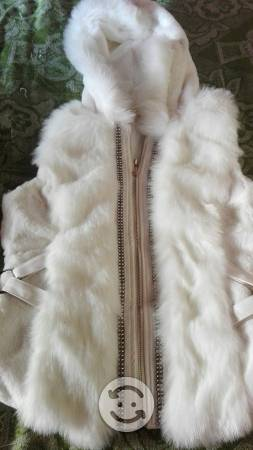 Chaleco blanco peludo