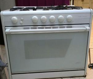 Horno mabe para empotrar en cocina 4 posot class for Estufas para empotrar