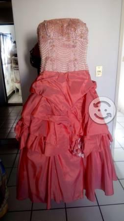Vendo conjunto Vestido XV años Eleganzza Esposa