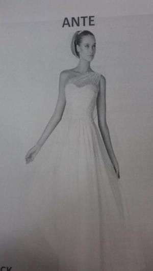 stock de 4,500 trajes o vestidos de novia y fiesta.