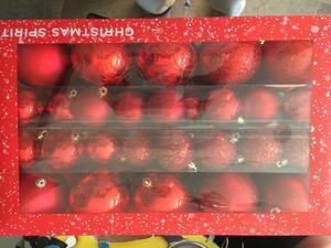 Esferas Navideñas Rojas 74 piezas
