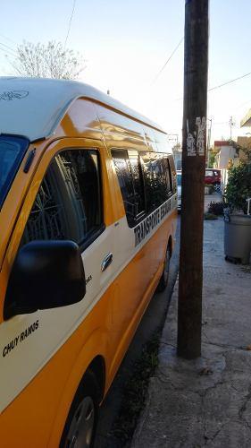 Toyota Hiace 4p L Larga TM5 con ventanas toldo alto