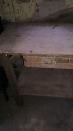 Mesa de trabajo de madera de cedro