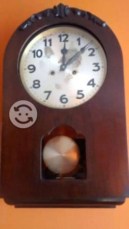 Reloj de pared antiguo Junghans