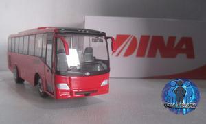 Autobus Dina Outsider A Escala