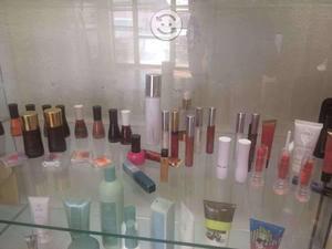 Venta de fragancias y cosmeticos