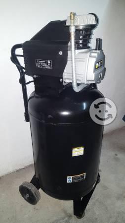 Compresor nuevo 21 galones