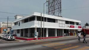 Local Comercial en el centro de Boca del Río. /
