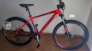 Bicicleta de montaña nueva  scott