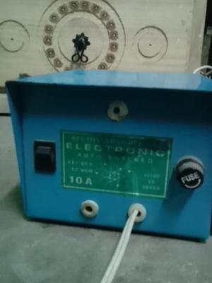 Cargador De Baterias Y/o Fuente De 12v 7 A
