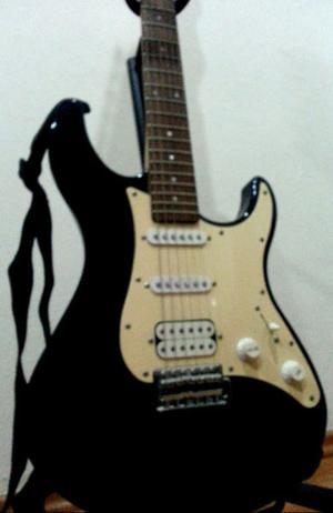 Guitarra Electrica Yamaha Eg 112c + Amplificador 15w + Pedal