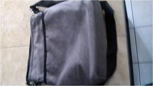 Porta tablet/ipad color gris marca LEE