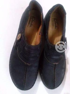 Zapatos negros de piel gamuza americanos