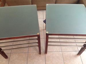 Mesas laterales con vidrio esmerilado
