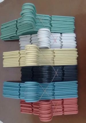 Ganchos cascadas exhibipanel reja colgar ropa posot class for Ganchos metalicos para colgar ropa