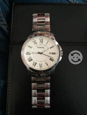 elegante reloj marca Fossil