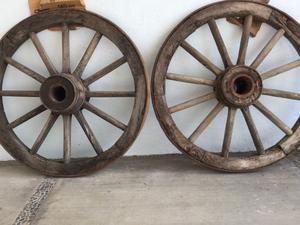 ¡EXTRAORDINARIAS! Pareja ruedas de carreta antiguas