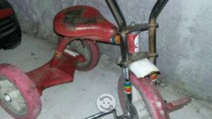 Triciclo antiguo apache