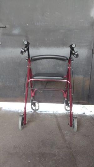 Vendo Andadera con ruedas