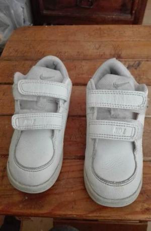 Tenis usados Nike para niño