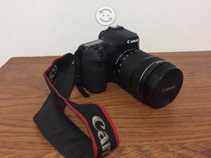 Canon 70D. Camara